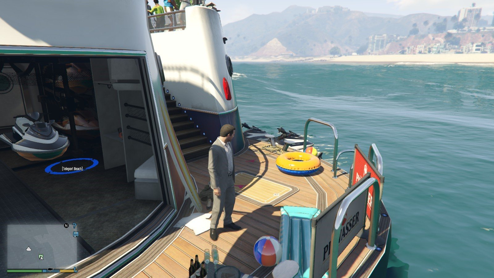 Galaxy Yacht Party Mods GTA5 08