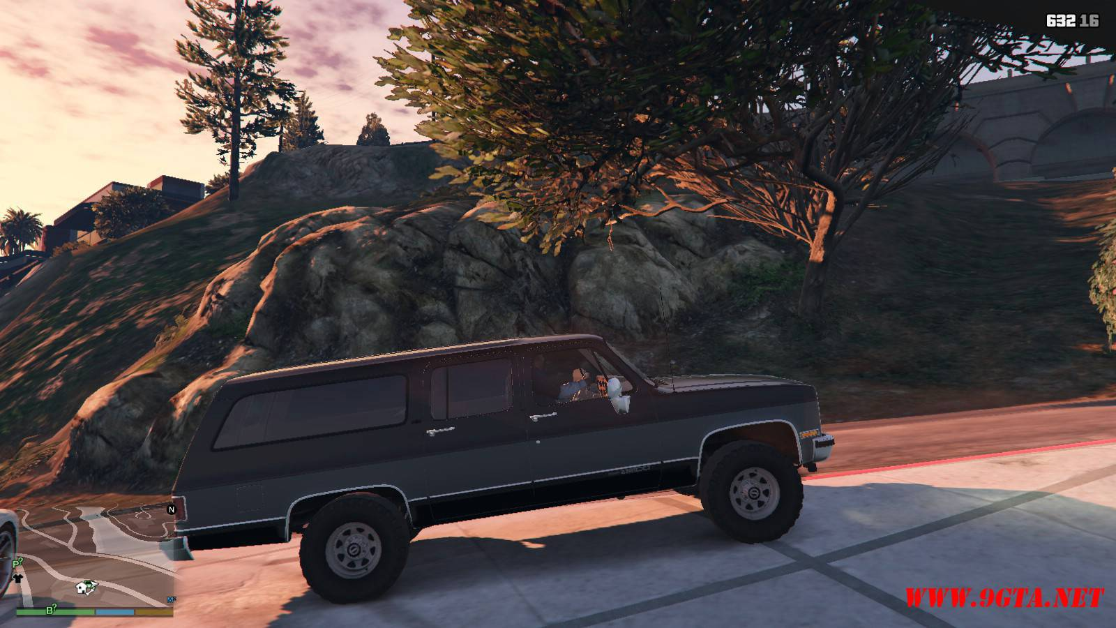 1989 GMC Suburban Mod For GTA 5 (4)